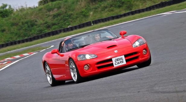Jazda Dodge Viper SRT